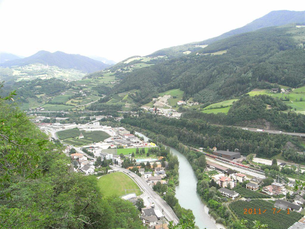 вид на Инсбрук с высоты Хунгербург