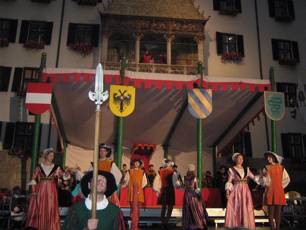 праздник императора Максимилиана